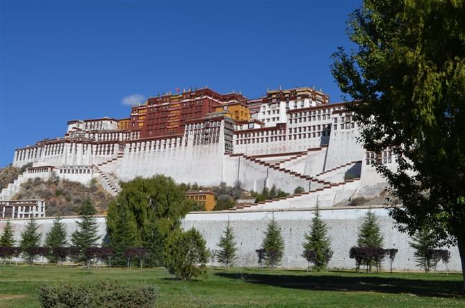 西宁-拉萨-林芝-雅鲁藏布大峡谷-布达拉宫7日游